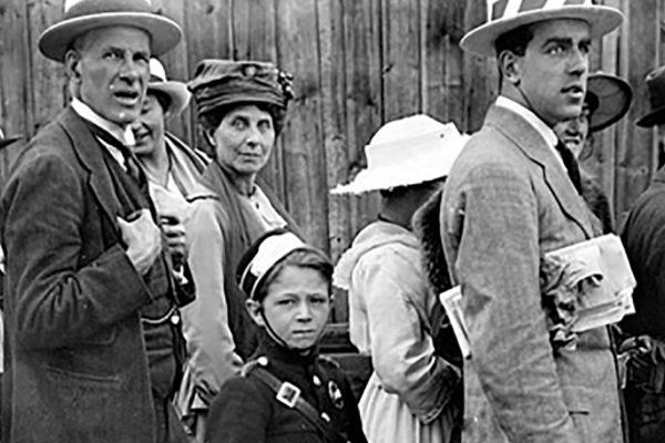 image-wimbledon-queue-1919-wide